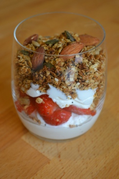 Granola, strawberries and yoghurt
