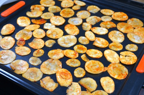 Paprika parsnip crisps