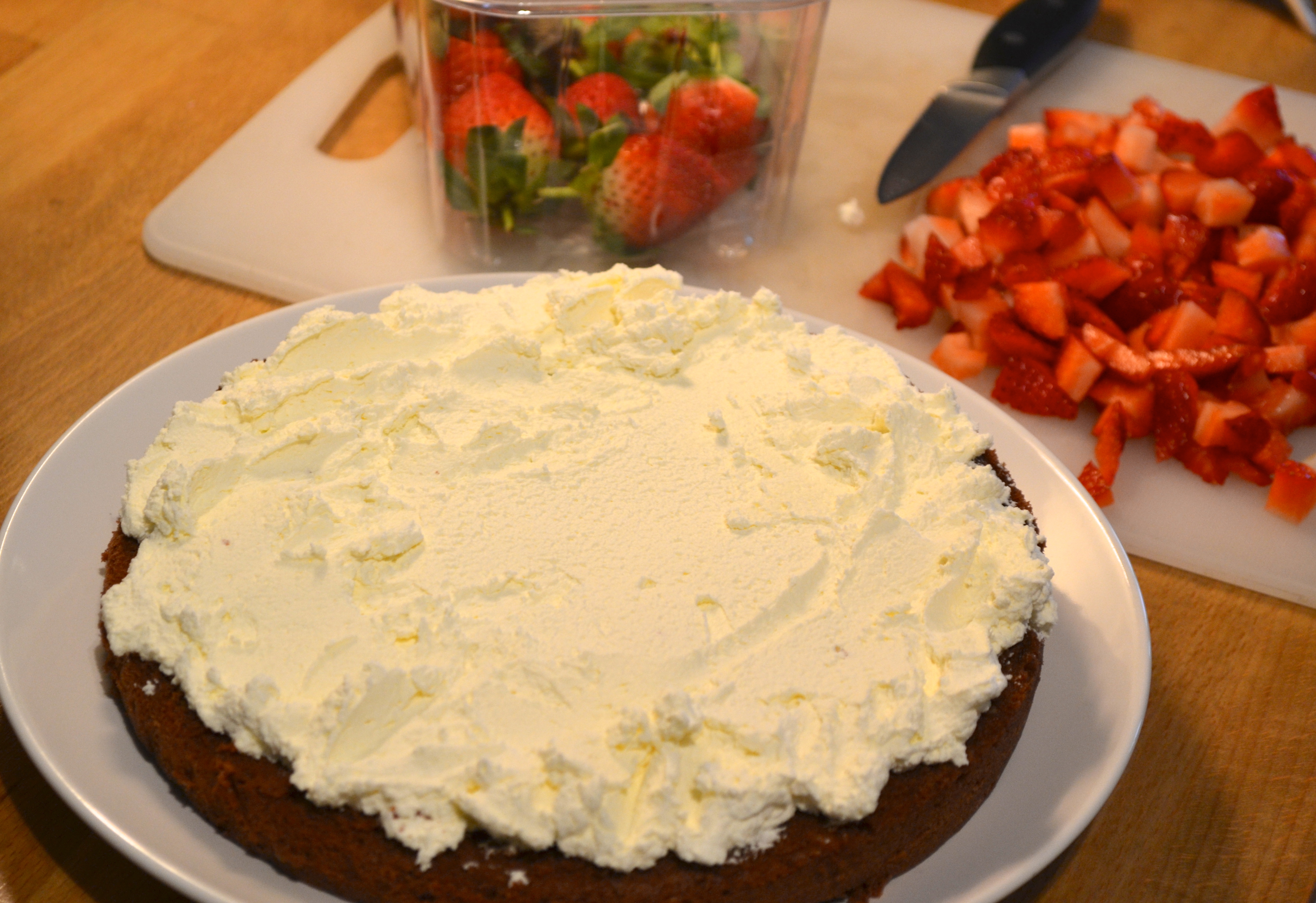 Small Chocolate Cake Recipe Jamie Oliver: Chocolate Strawberry Cake