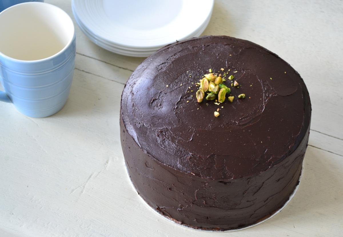 Pistachio Petit Four Cake | The Perky Pancake