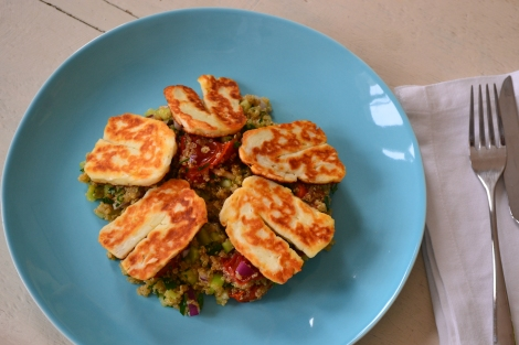 Halloumi, quinoa and roasted tomato salad