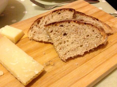 Potato and spelt bread