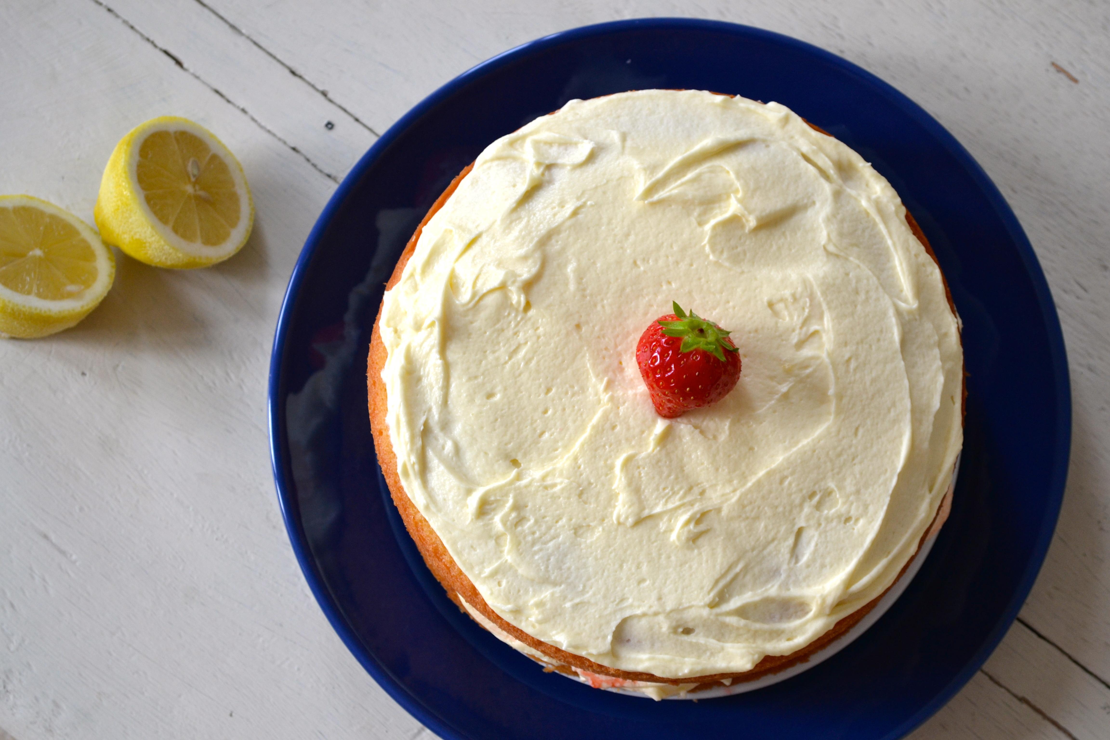 Lemon & Strawberry Victoria Sandwich | The Perky Pancake